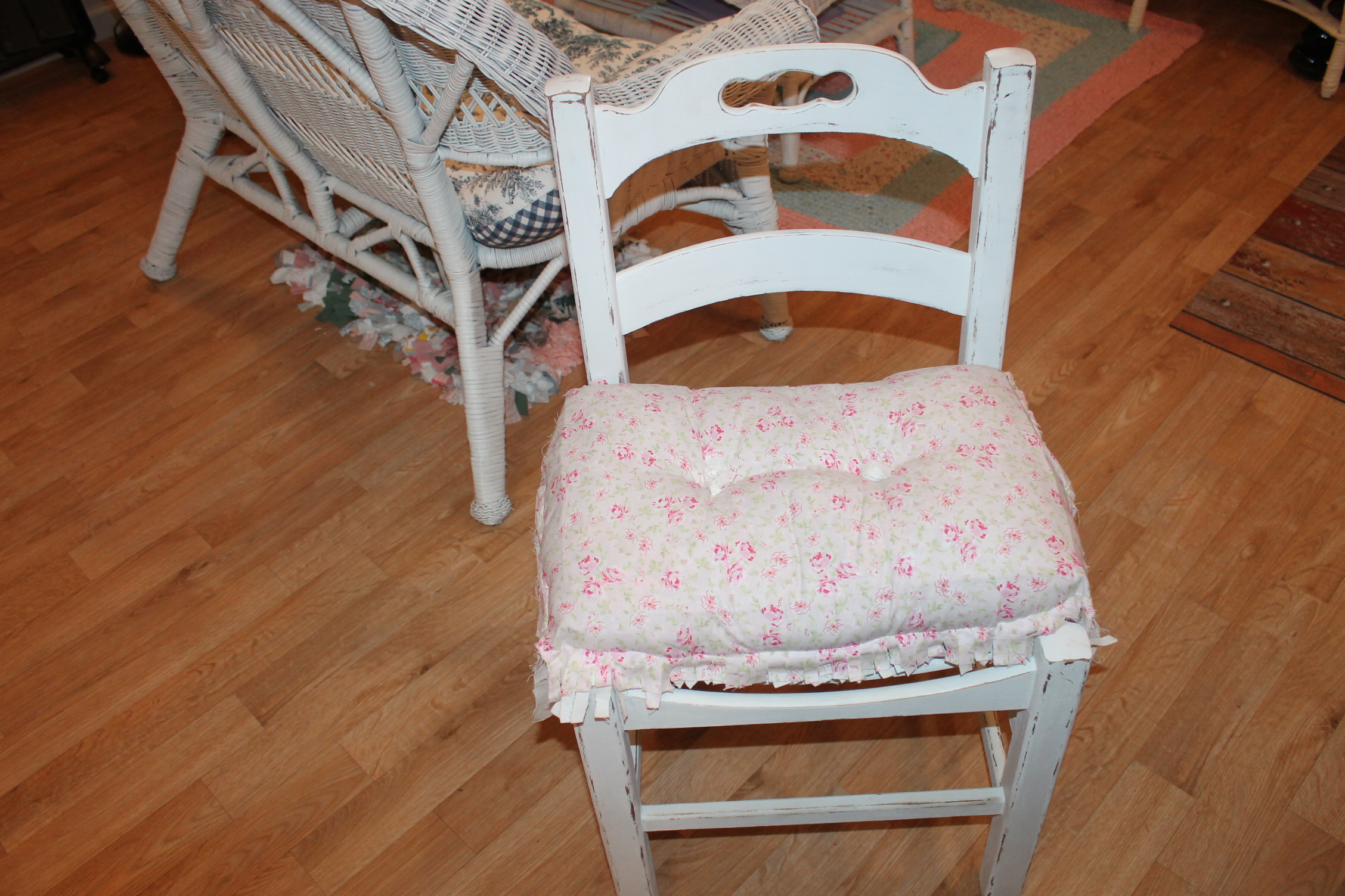 DIY Shabby Chic Child's Chair