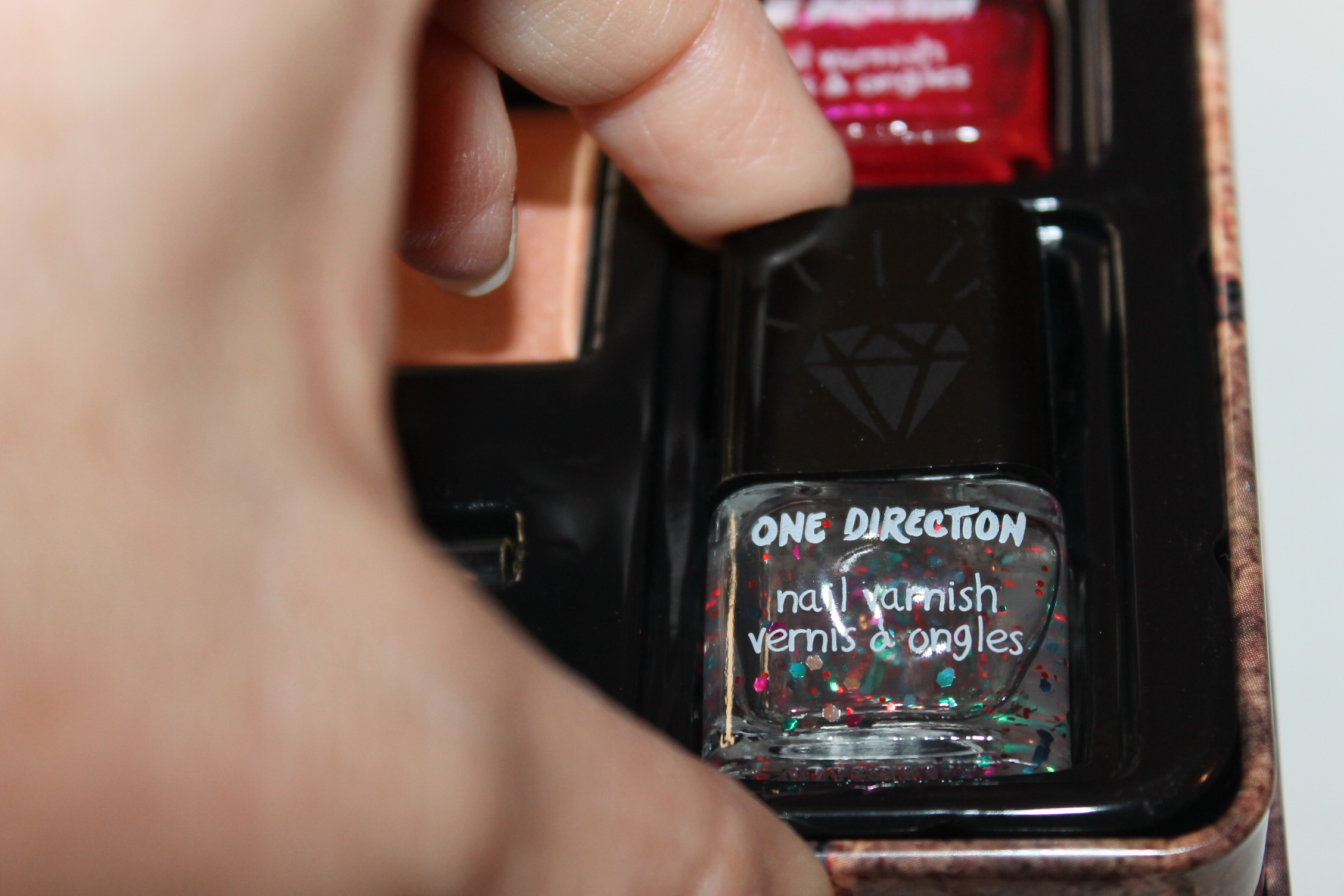 New Makeup by ONE DIRECTION Limited-Edition Beauty Collection giveaway