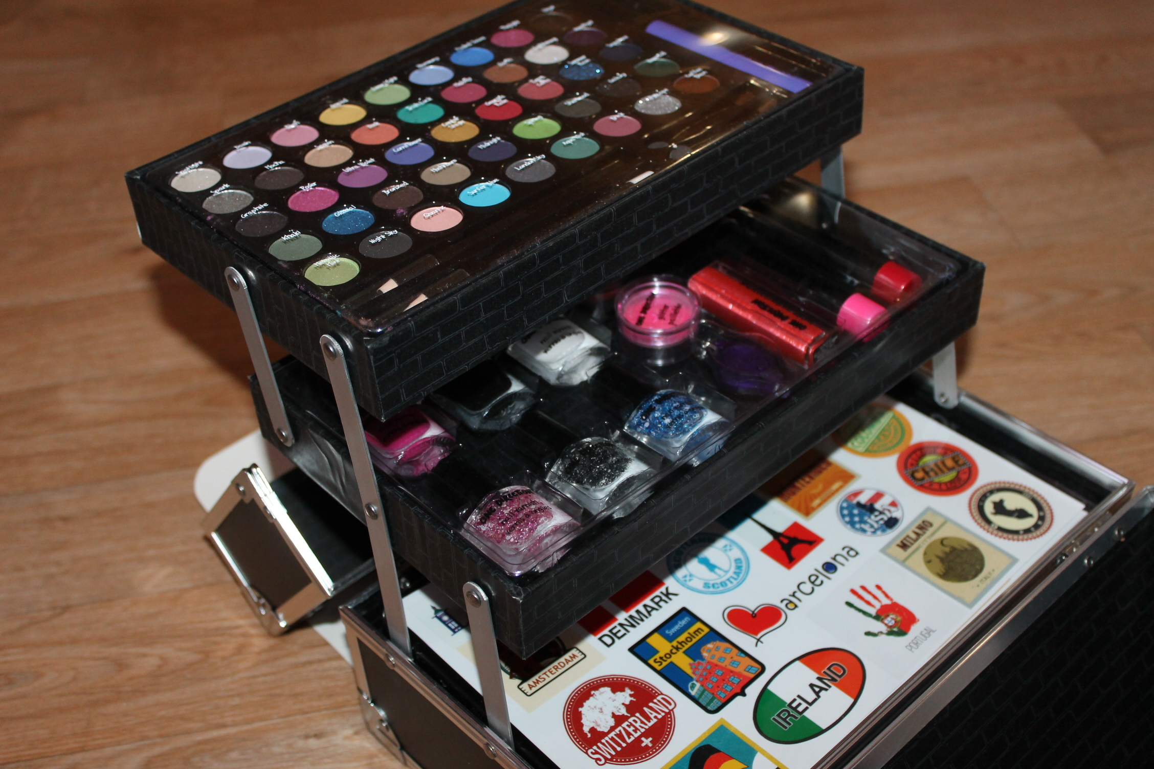 One Direction Tour Case Cosmetics