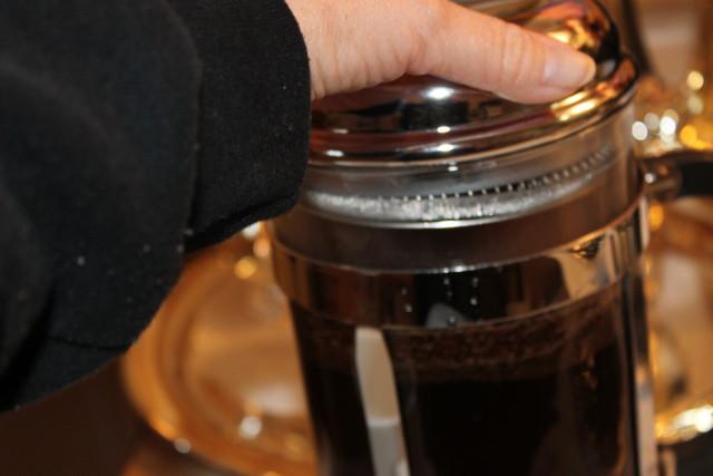 Francois et Mimi Single Wall Borosilicate Glass French Coffee Press, 50-Ounce, Chrome