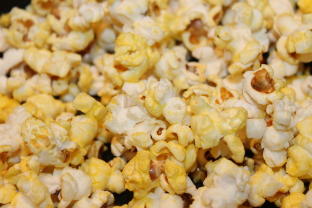 Franklin's Gourmet Popcorn Pack- Delicious pre-measured corn, oil, and seasoning