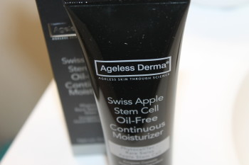 Giveaway Continuous Facial Moisturizer, Ageless Derma