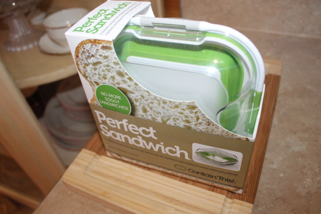 Perfect Sandwich is an innovative wet-dry solution designed to solve the age-old soggy sandwich problem.