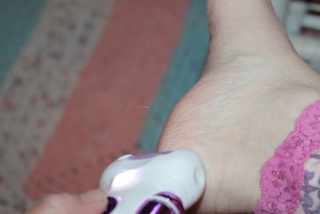 Smooth Feet! RECHARGEABLE Callus Remover Review