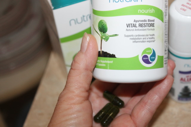 #momsmeet #NutrexinUSA Nutrexin Alum-Free Roll-On Deodorant #stockingstuffers #holidaygiftguide2015