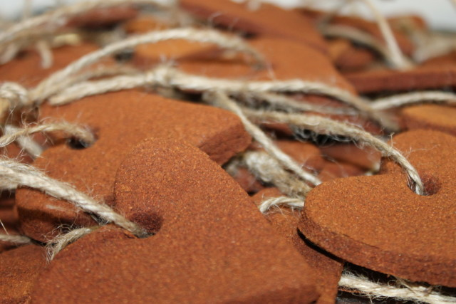 DIY Best Recipe for Cinnamon & Applesauce Heart Christmas Ornaments