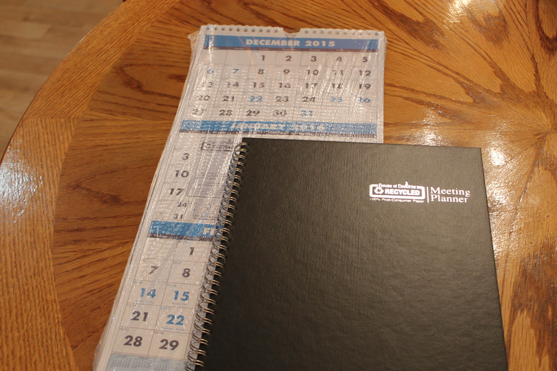 Organizing my home office with House of Doolittle planner and calendar! @Shoplet #ShopletReviews