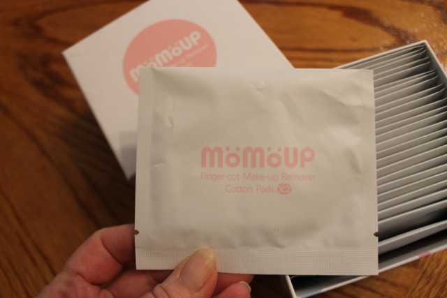 momoup Makup Accessories Giveaway