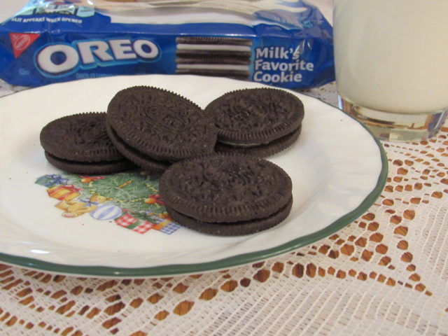 Snack & Save With OREO At Walmart #ad #snackandsave #OREOcookies #walmart @oreo @walmart