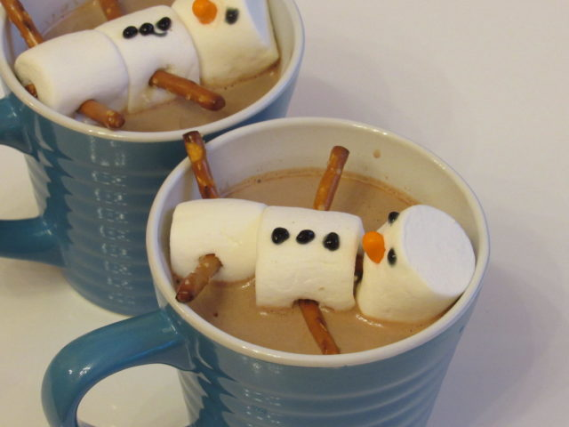 DIY Frosty Snowman Hot Cocoa