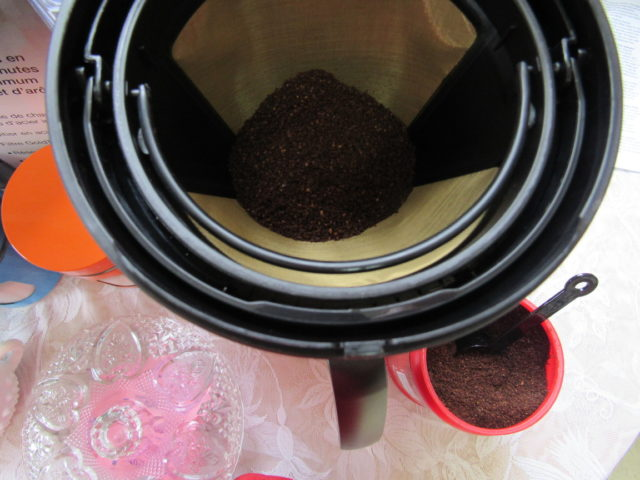 Making Cinnamon Coffee With a Capresso MG900 Coffee Machine