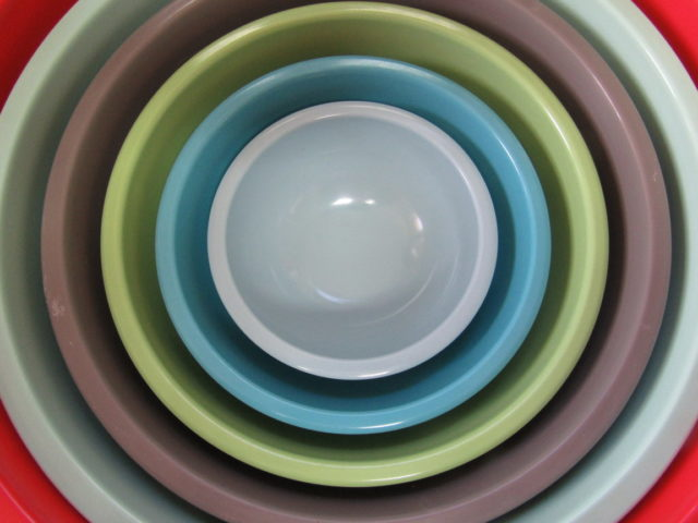 3 Types of Nesting Dishes for Small Spaces