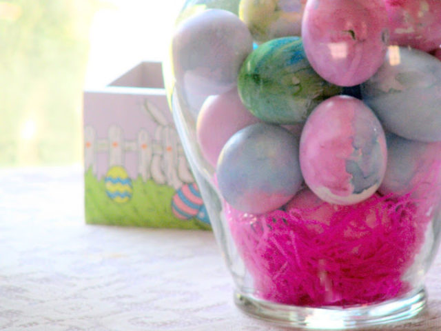 Hippy Trippy Tie-Dyed Easter Eggs & Green Eggs and Ham Recipe