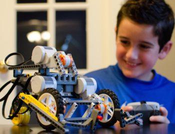 Robotics Classes Plus Win  LEGO® brick set, Snapology Mascot Sebastian Gator