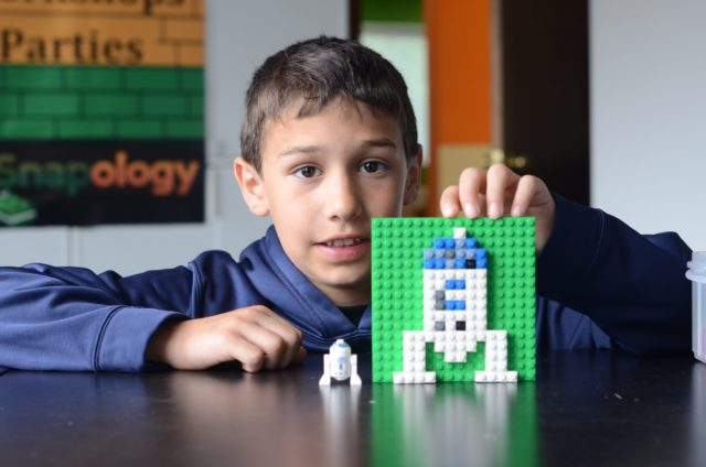 Robotics Classes Plus Win  LEGO® brick set, Snapology Mascot Sebastian Gator