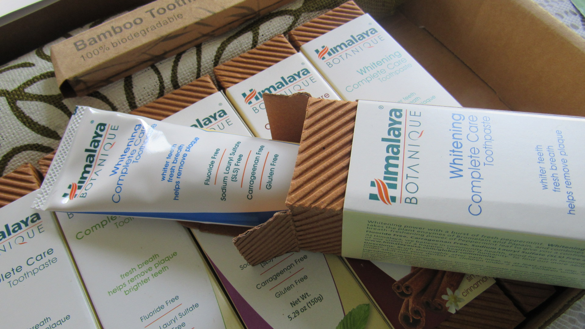 Benefits of Himalaya Botanique Complete Care Toothpaste