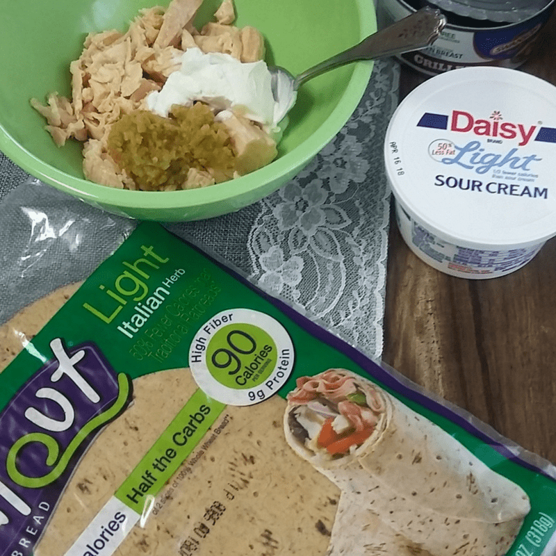 Healthy Grilled Chicken Salad With Veggies Flatout® Flatbread Roll-Ups Recipe #Wellness4RealLife, #WWSponsored #ad #IC