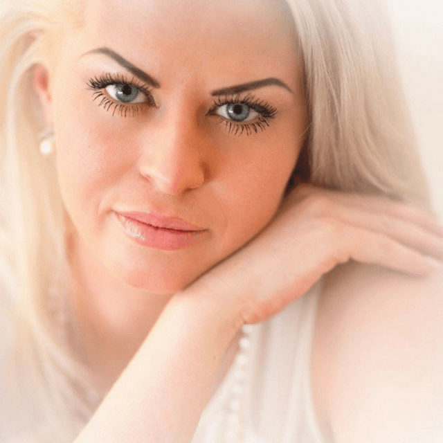 War On Wrinkles! Growing Old Gracefully Needn't Preclude Us From Smooth Glowing Skin