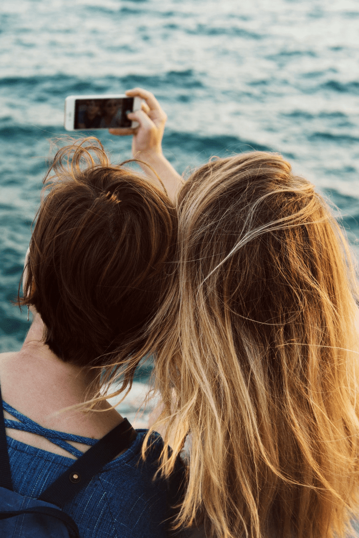 Best Ways to Look Good In a Selfie