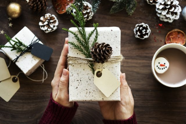 4 Holiday Gifts For That One Friend Who Always Loses Things
