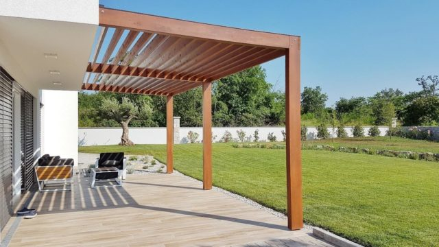 How to Improve Your Garden with a Pergola
