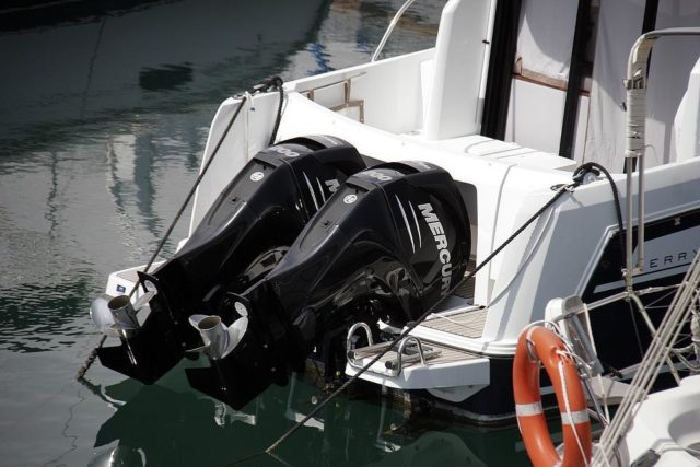 How to Give your Outboard Motor an End of Season Service