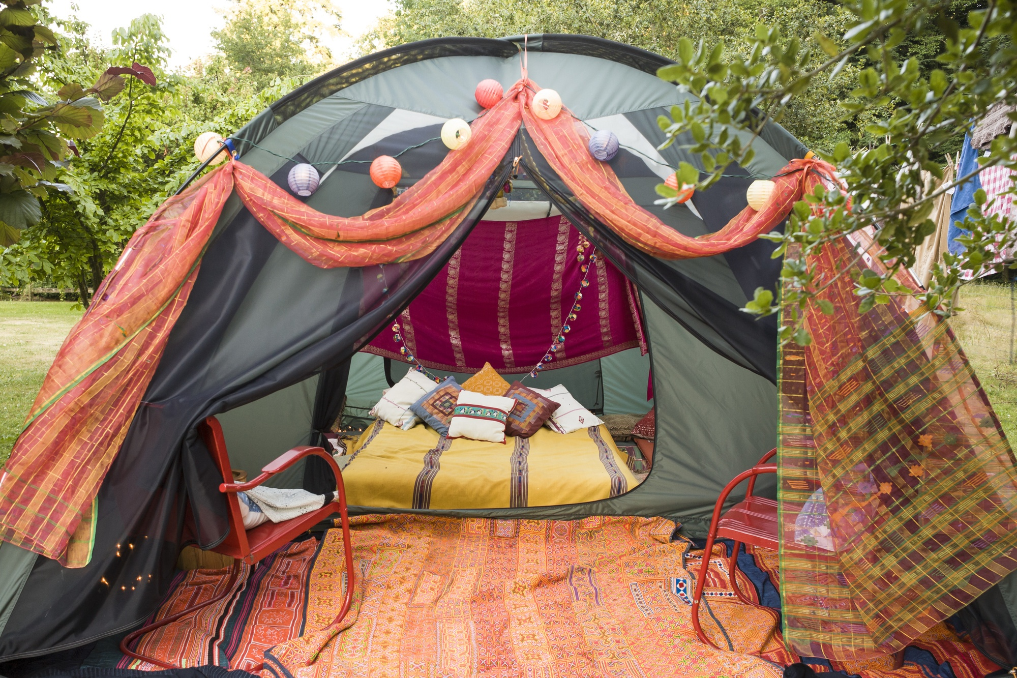 Mountain Chic: 4 Fabulous Tips for Camping in Style