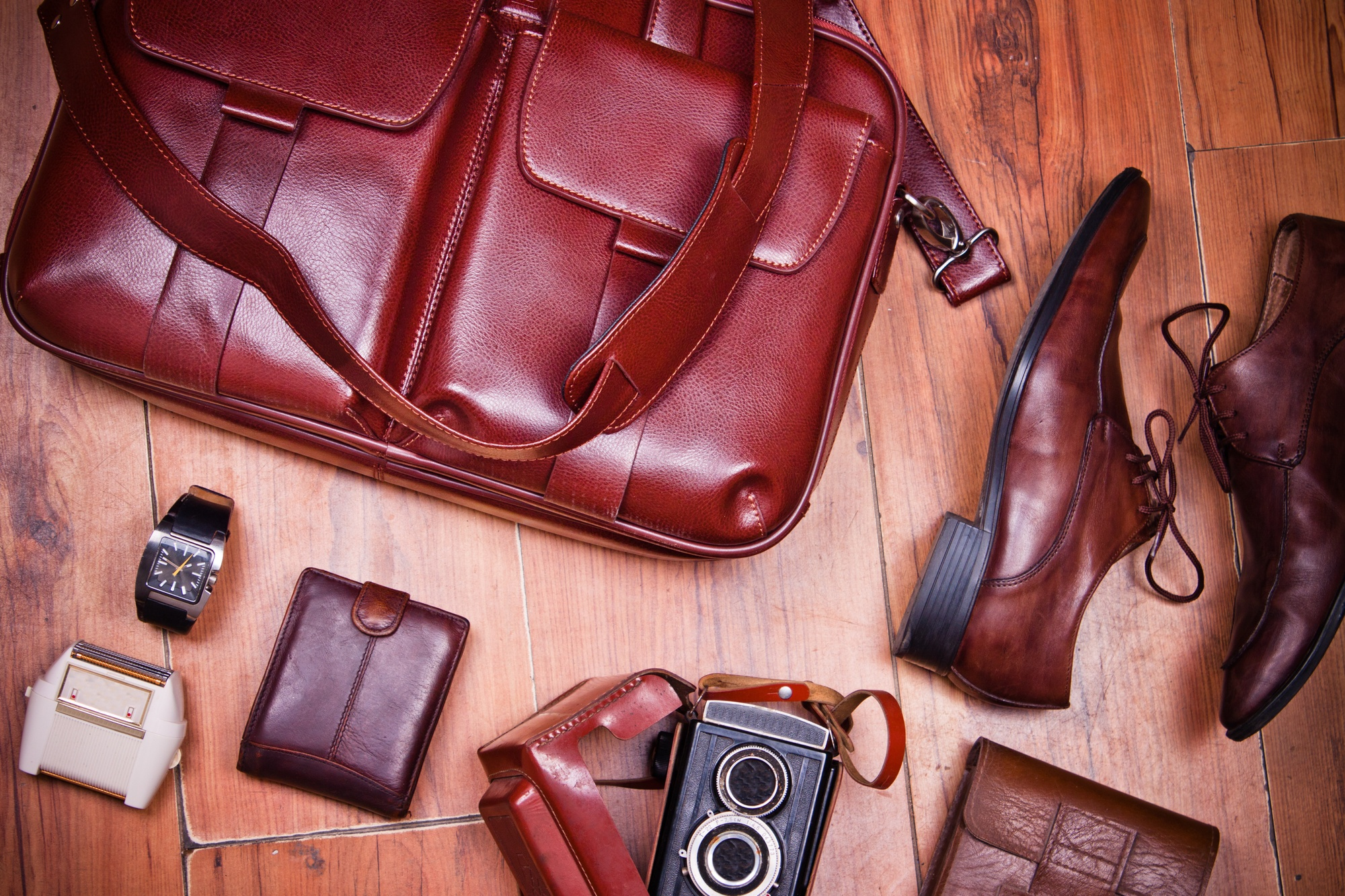 Men's Fashion Essentials: 16 Things Every Man Should Have in His Closet