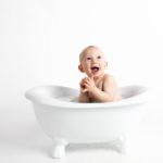 為何新生嬰兒需要安全嬰兒沐浴產品