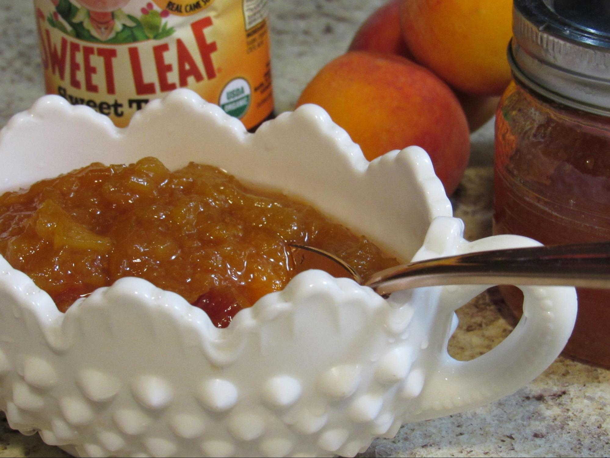 #AD Sweet Peach Iced Tea Recipe #HowSweetAreYou #Sweetbutnottoosweet #SweetLeaf @SweetLeafTea