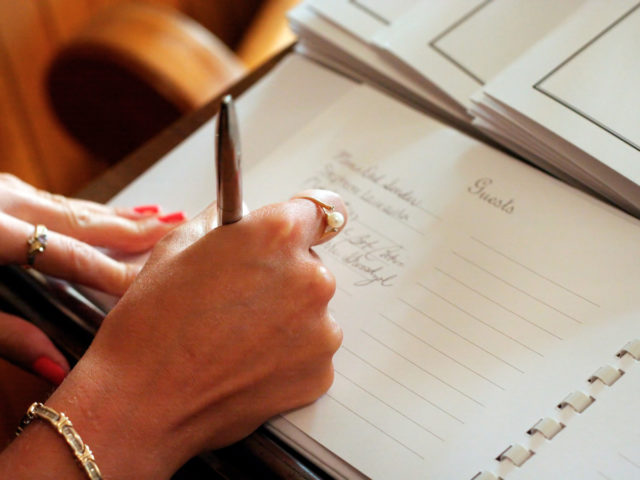 Best Wedding Guest Books from Real Weddings