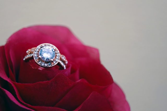 Reasons to choose a customised diamond ring in Singapore