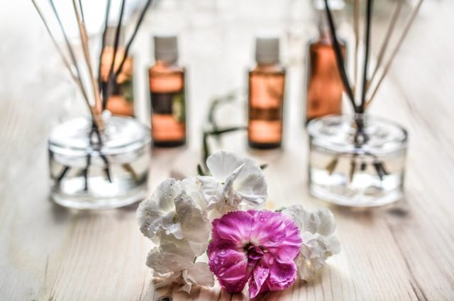 What Are the Best Essential Oils for Postpartum Recovery?