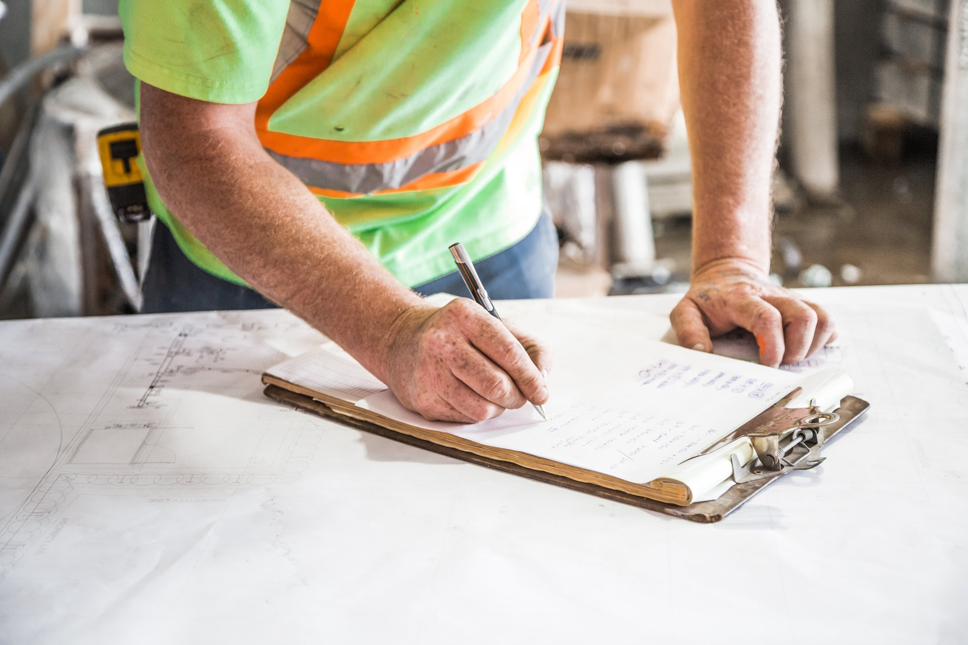 What to look for when hiring a tradesman
