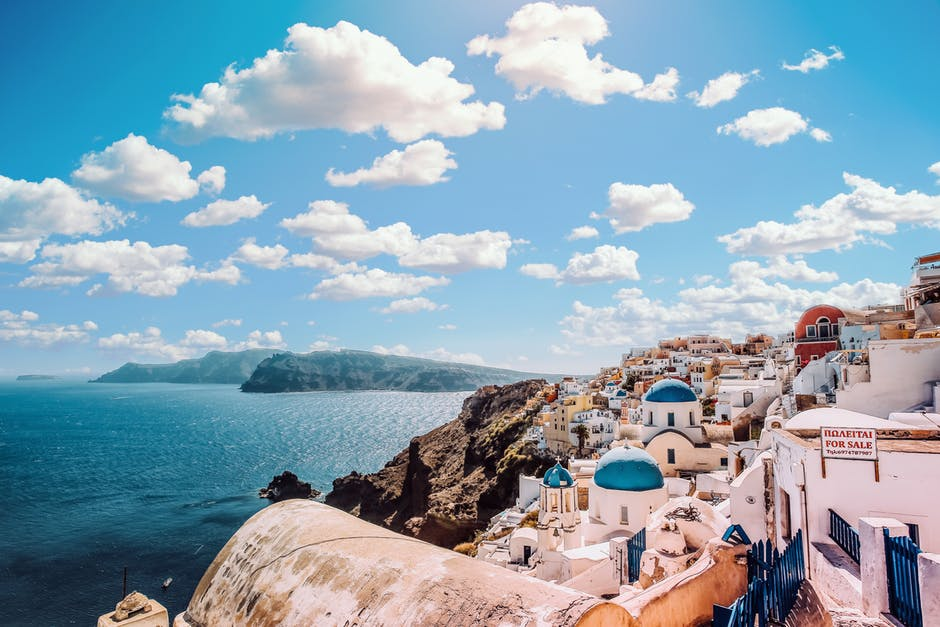 4 of the Most Amazing Places to Visit in Greece
