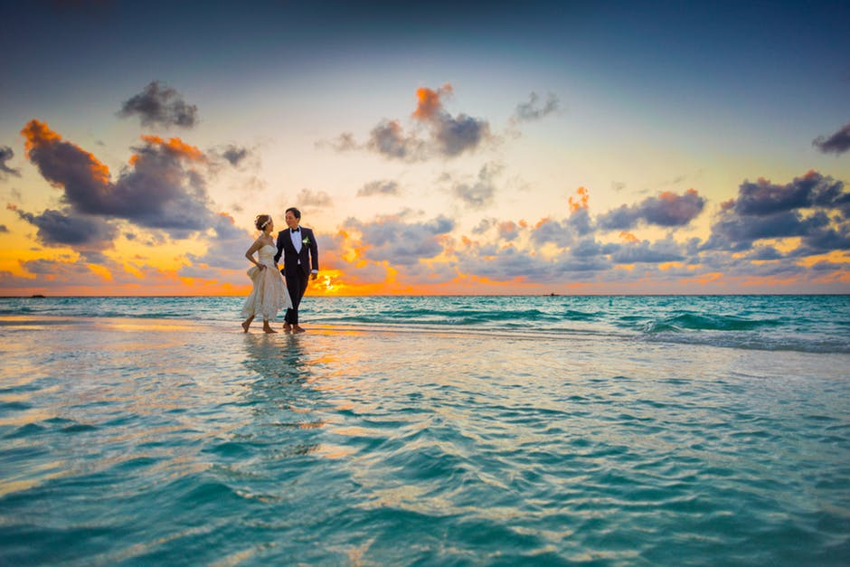 5 Underrated Reasons to Have a Beach House Wedding