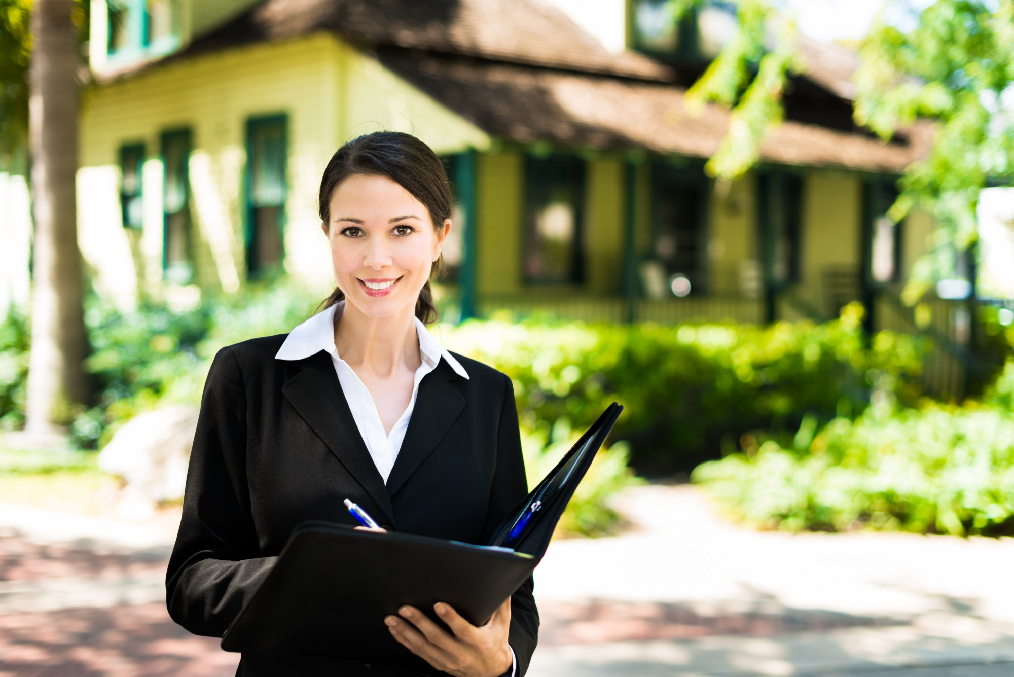 Top 7 Questions to Ask Your Real Estate Agent Before Selling Your Home