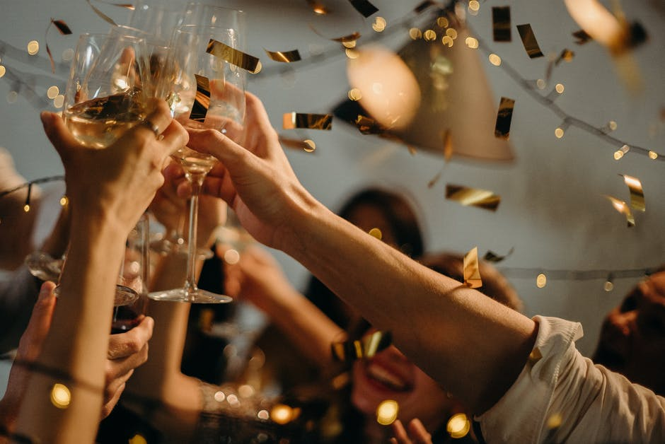 How to Host a Party: 9 Tips That'll Make You the Best Host in 2020