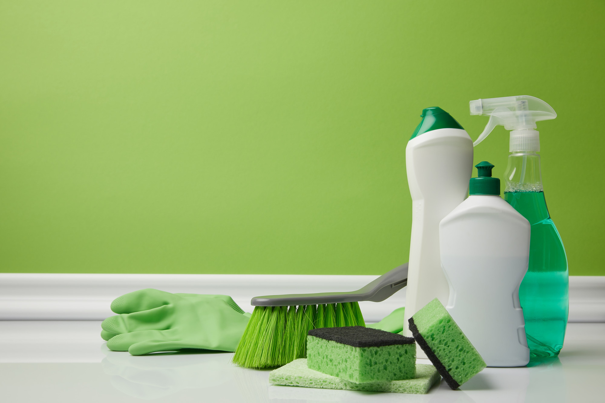 Spring Clean with a Conscience: 7 DIY Non Toxic Cleaning Products You Can Make at Home