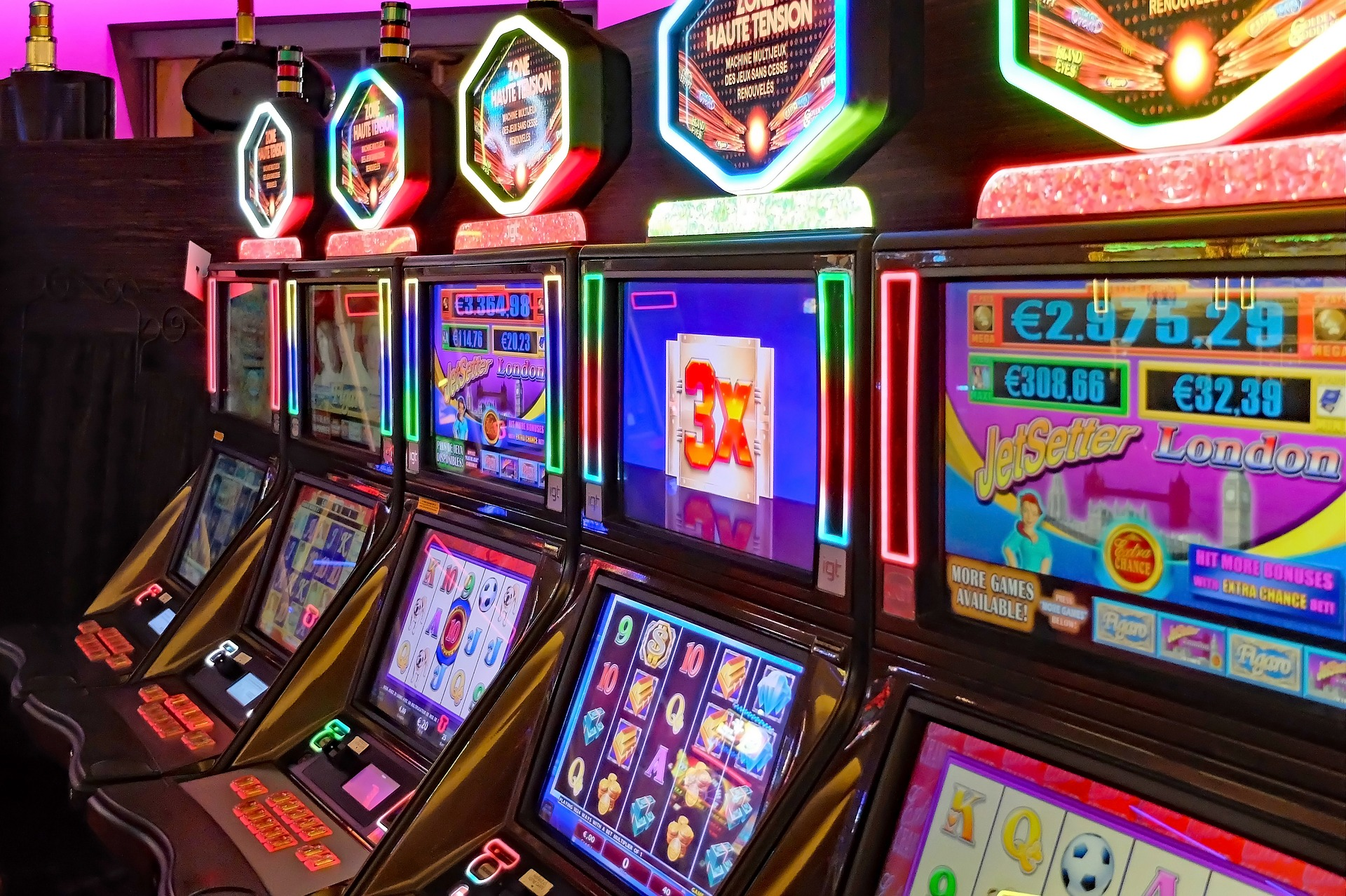How to play slots for free