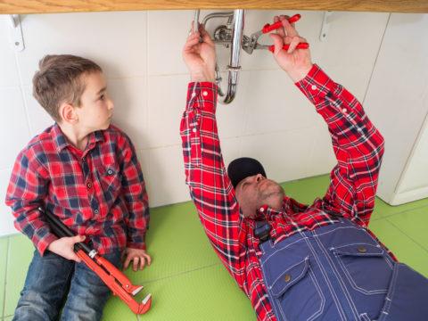 Plumbing 101: 7 Key Reasons to Call a Plumber
