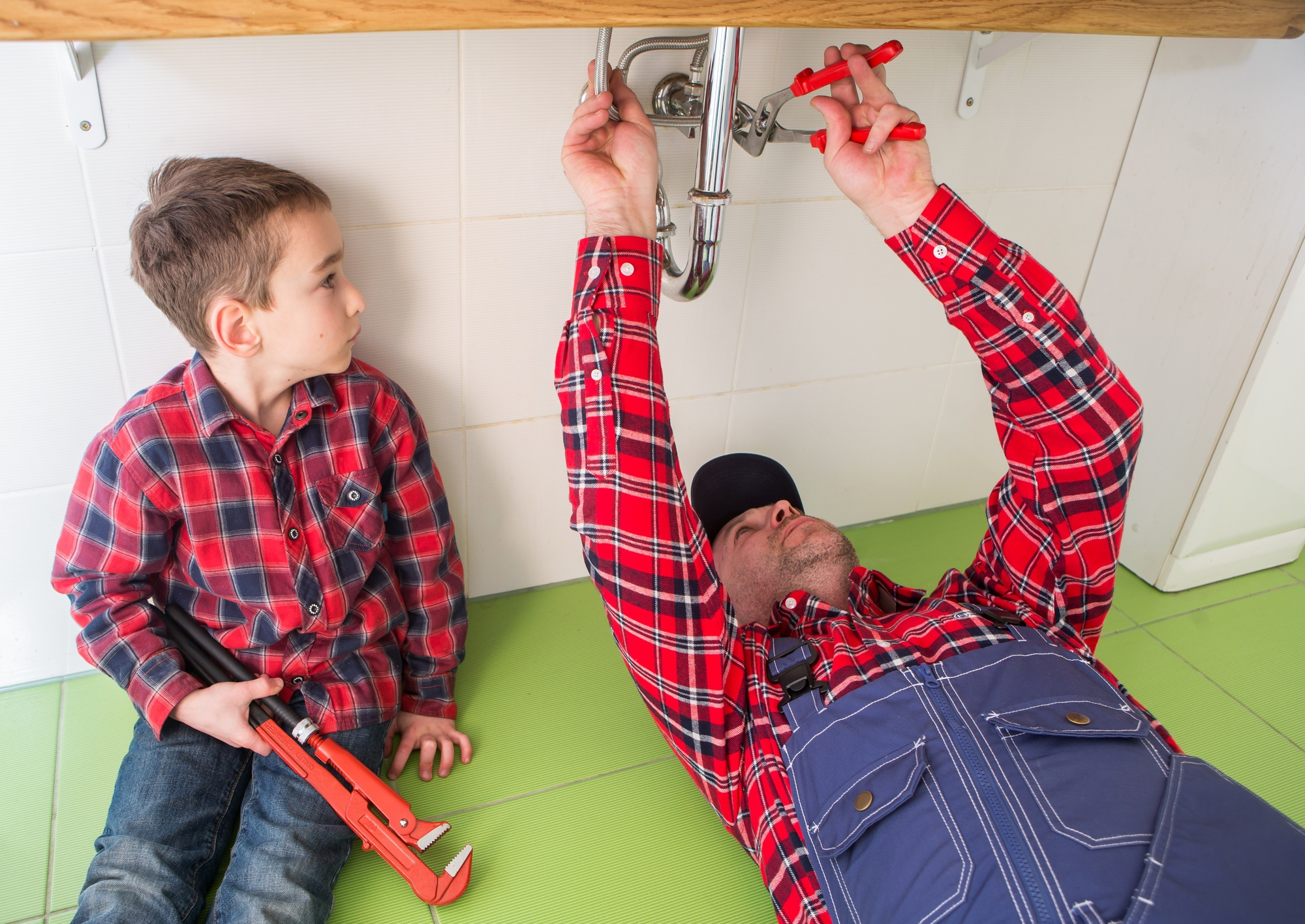 Plumbing 101: 7 Key Reasons to Call a Plumber