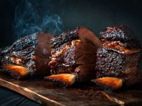 What is the Best Electric Smoker to Buy? 6 Fantastic Options