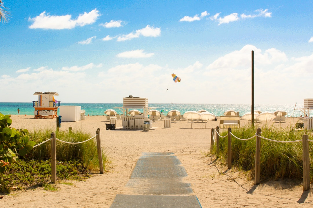 The Pros and Cons of Moving to Florida