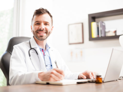5 Effective Steps to Become a Healthcare Administrator