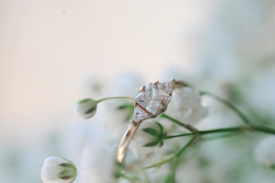 9 Tips to Pick the Perfect Engagement Ring