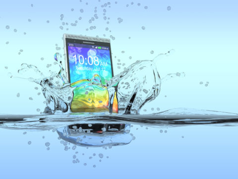 This Is What to Do If You Drop Your Phone in Water