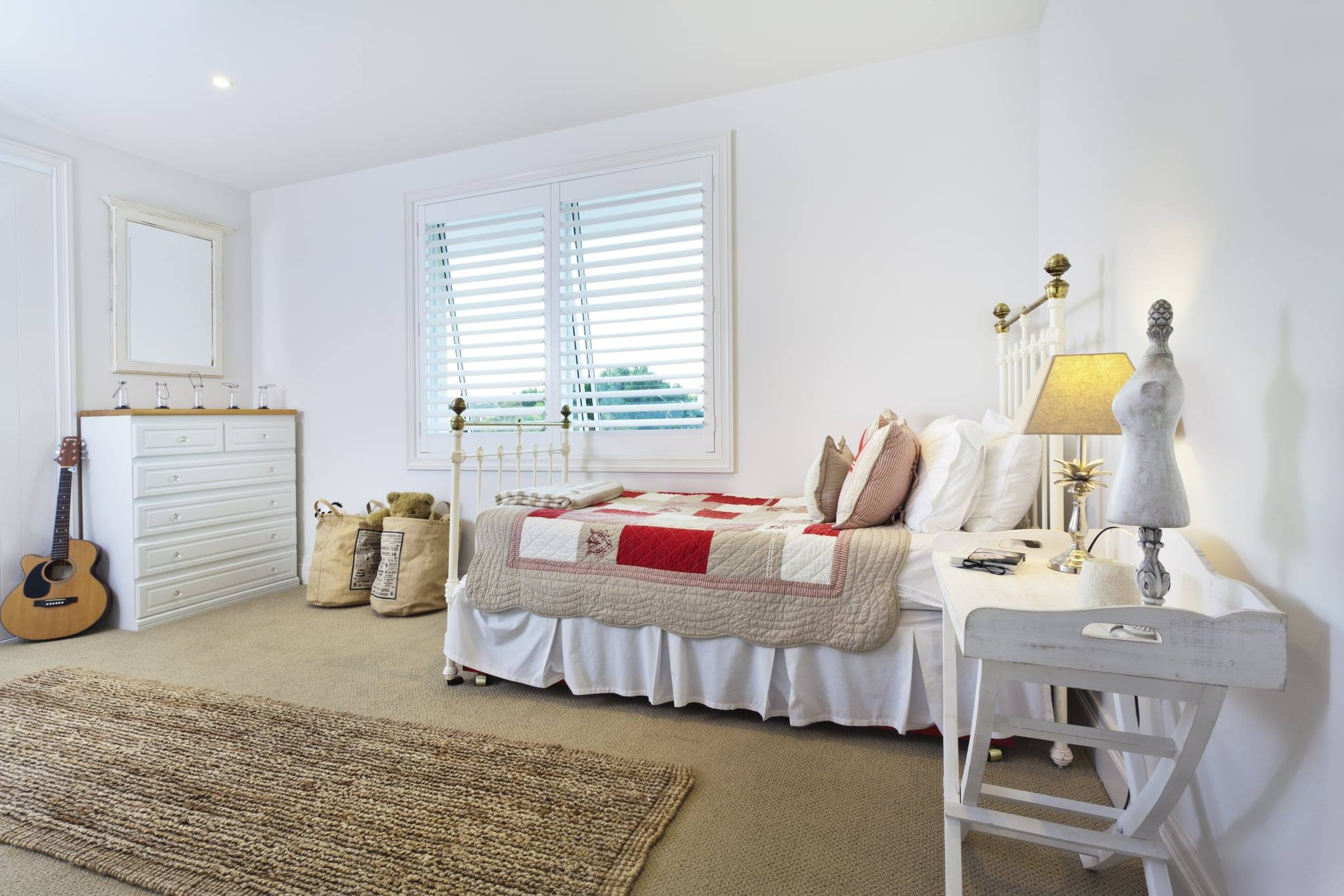 The 6 Easiest Ways to Clean Your Bedroom Thoroughly and Efficiently