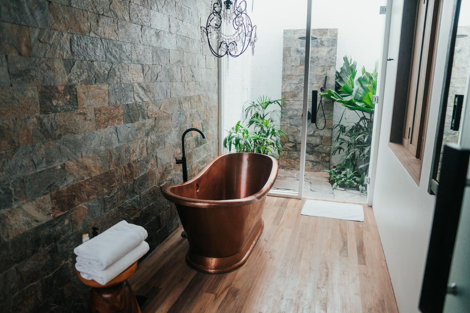 Rustic Bathrooms To Fulfill Your Log Cabin Dream