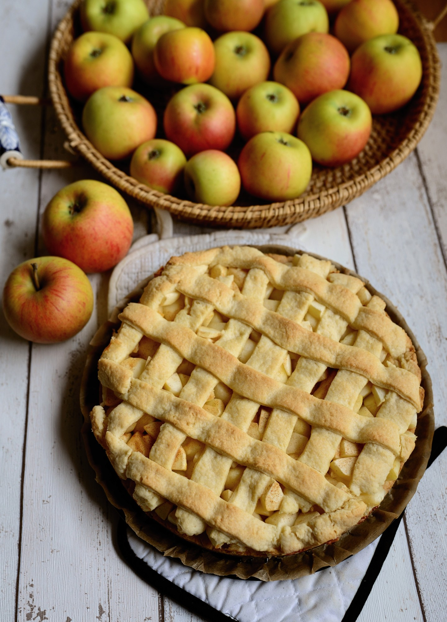 A Taste of Autumn: How to Make Apple Pie the Right Way